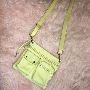 🔑Fossil ~ Yellow Leather Crossbody